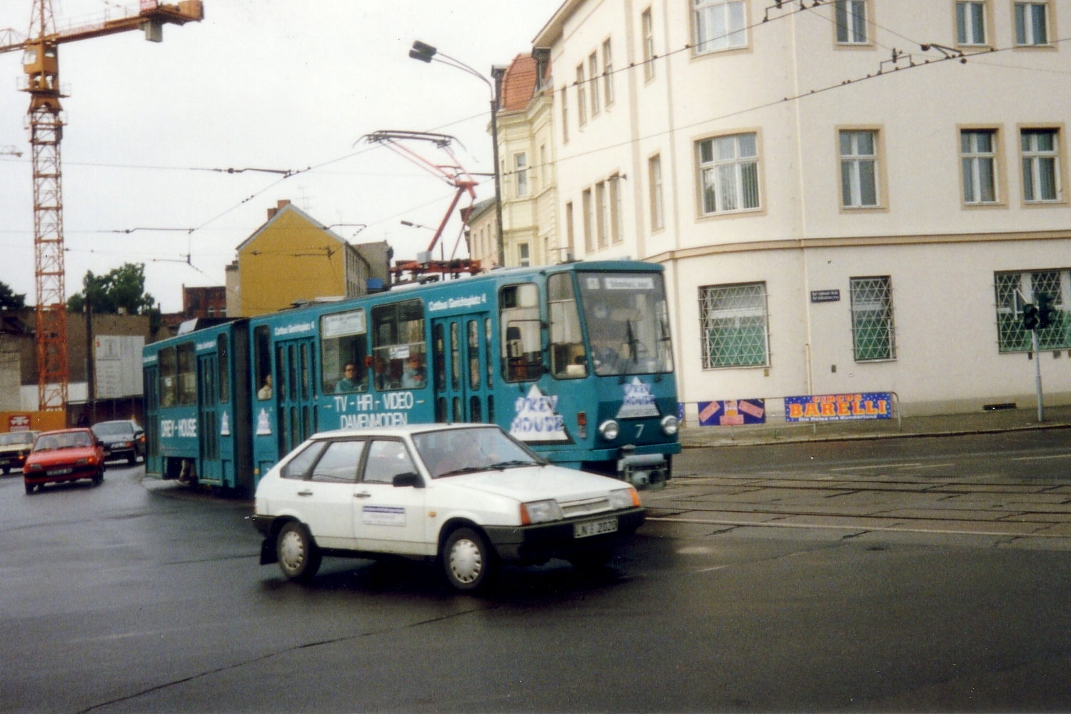 Cottbus articulated tram 7 on tram line 1 in the square Breitscheidplatz (1993).
