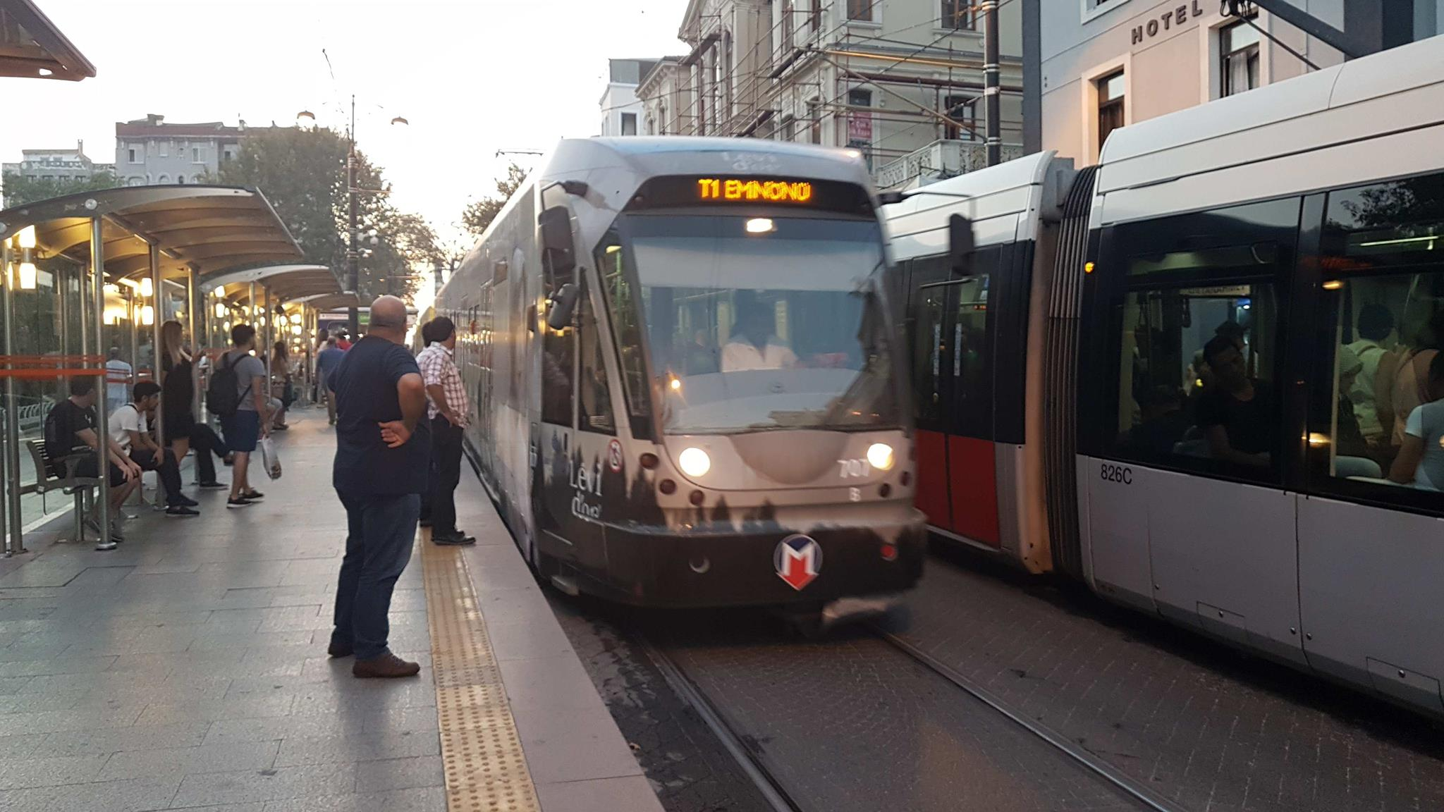 Istanbul low-floor articulated tram 707 on regional line T1 at the stop Çemberlitaş (2017).