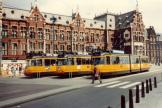 Amsterdam articulated tram 664 on tram line 9 at the terminus Centraal Station (1981).