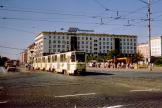 Magdeburg railcar 1276 on tram line 9 in the intersection Breiter Weg/Wilhelm-Pieck-Allee (Ernst-Reuter-Allee) (1990).