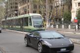 Rome low-floor articulated tram 9250 on tram line 8 on Viale Trastevere, front view (2010).