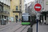 Vitoria-Gasteiz low-floor articulated tram 505 on tram line T2 at the stop Angulema (2012).