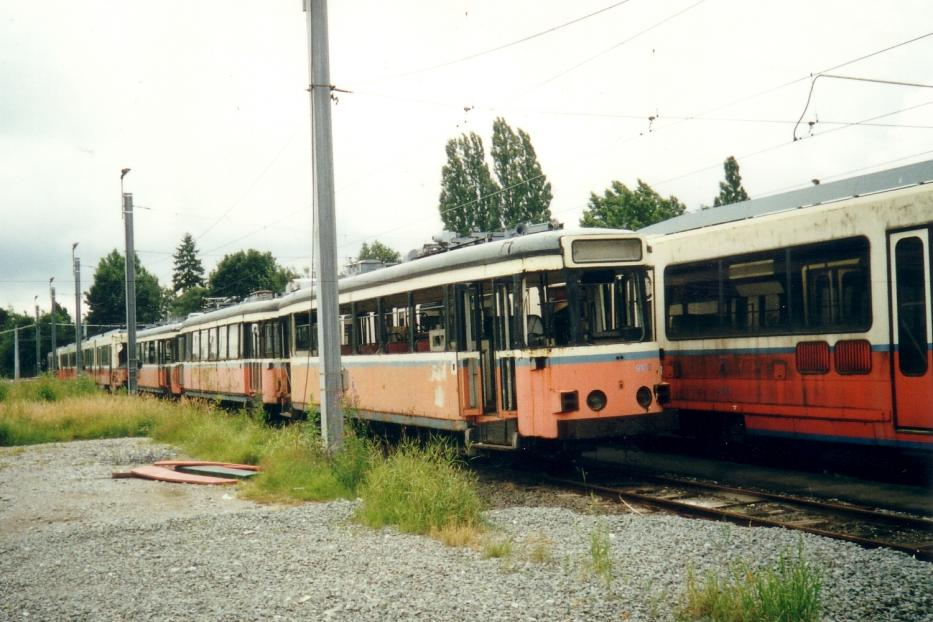 Charleroi railcar 9180 at the depot Jumet (2002). Railcar 9180, which lacks.