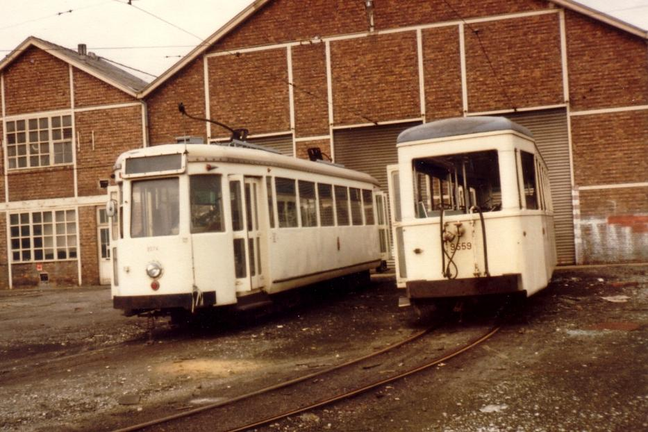 Charleroi railcar 9274 in front of the depot Jumet (1981). Railcar 9274 are from the abandoned system at Brussels.