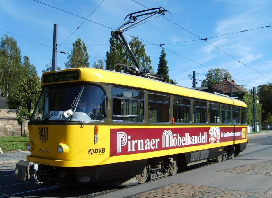 Dresden railcar 224 277 on museum line 16 at the depot Tolkewitz (2007).