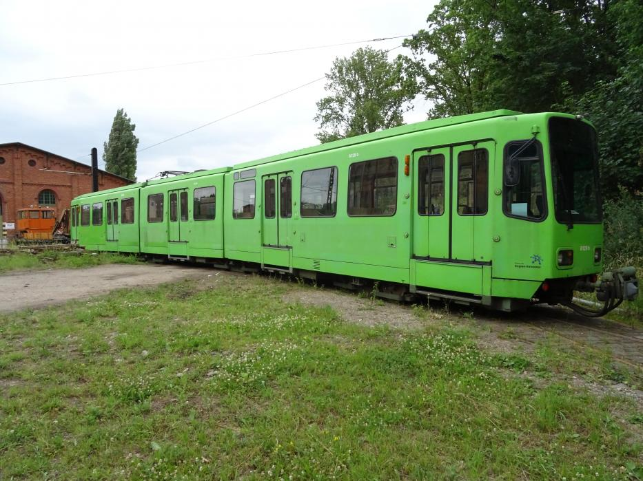 Hannover articulated tram 6129 on the side track at Hannoversches Straßenbahn-Museum (2020).