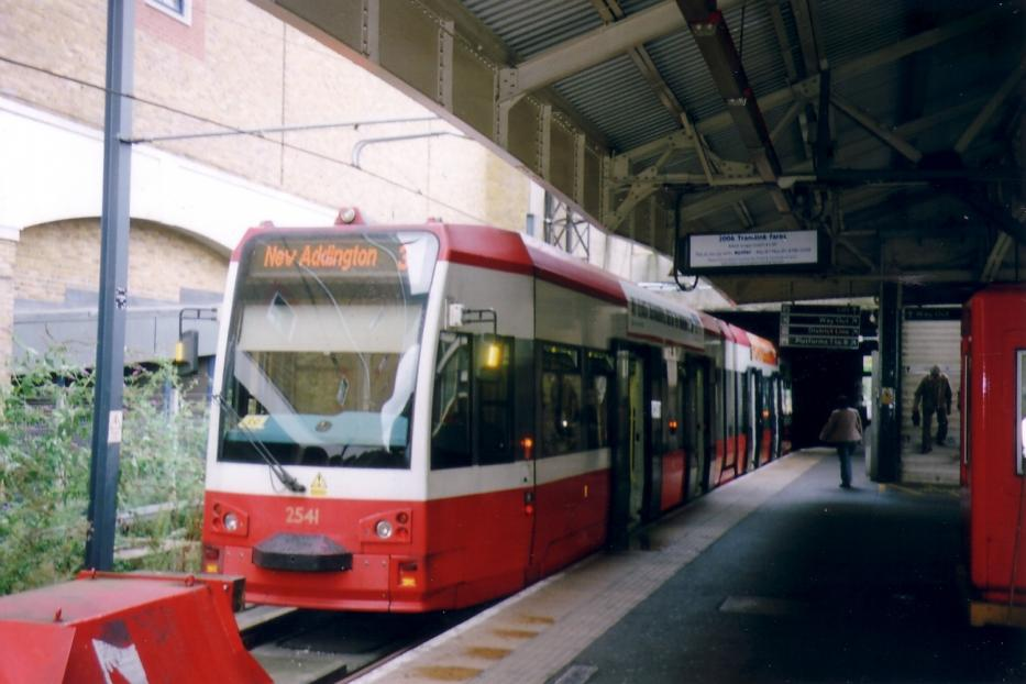 London low-floor articulated tram 2541 on tram line 3 at the terminus Wimbledon station (2006).