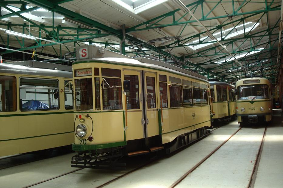 Magdeburg railcar 70 at the museum Museumsdepot Sudenburg (2014).