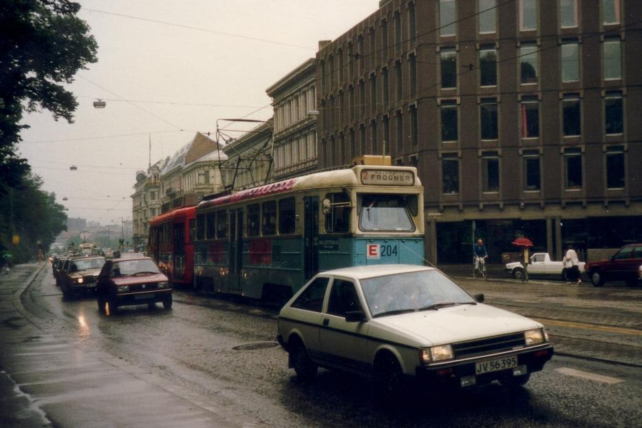 Oslo railcar 204 on extra line 15 on Drammensveien (1987).
