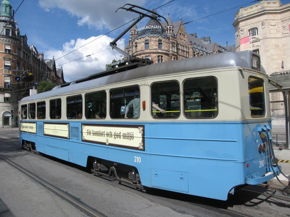 Oslo railcar 210 on Stockholm restaurant line Cafetåget at the stop Nybroplan (2015).