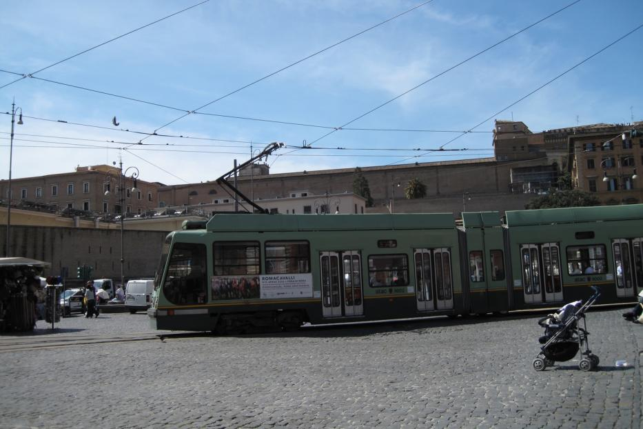 Rome low-floor articulated tram 9002 on tram line 3 at the terminus Piazza Risorgimento (2010).