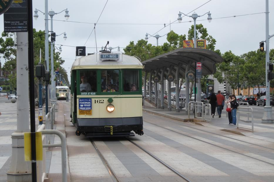 San Francisco railcar 162 on tourist line F-Market & Wharves at the stop The Embarcadero & Ferry Building (2010).